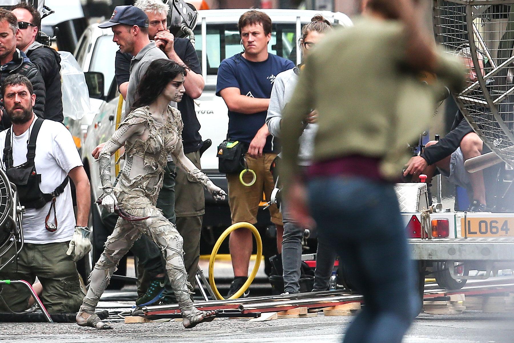 """Sofia Boutella films a scene for """"The Mummy"""" in central London Featuring: Sofia Boutella Where: London, United Kingdom When: 10 Jul 2016 Credit: WENN.com"""